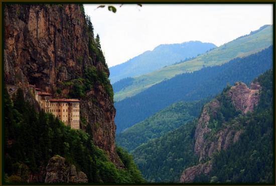 کلیسای تاریخی در منطقه کارادنیز ترکیه