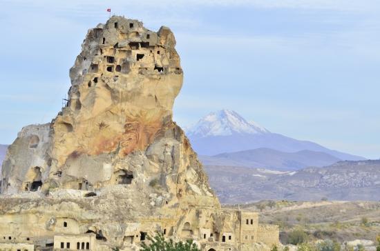 Ortahisar Kalesi & Erciyes Dağı - Fotoğraf: Onur Ymrts