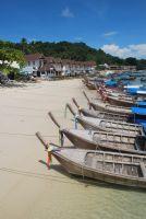 Phi Phi Adası