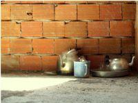Tuğla,kum,çimento,su,dem,çay