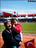 18 Mart Törenlerindeki Özbekistanlı Çocuk