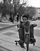İlginç Bisikletli Çocuk