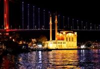 Ortaköy Gece Başka Güzel