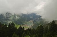 Bulutların Üstünden