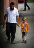 Üzgün Baba Ve Üzgün Oğul