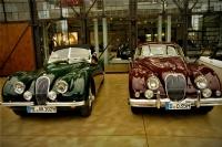 Otomobilde Nostalji-6 İkiz Güzeller.