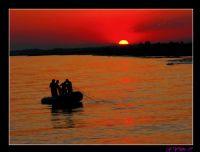 Balikci Teknesi Ve Gün Batimi
