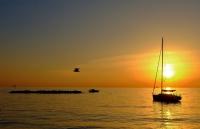 Gün Batımında Tekne