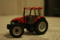 Kırmızı Traktör...