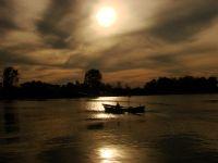 Nehir'de Ki Tekne