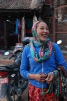 Katmandu'lu Takıcı Kadın...