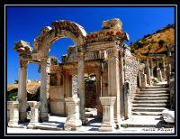 Hadrian  Tapınağı...