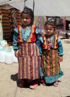 Yerel Kıyafetlerle  Çocuk