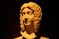 Eski Roma Kralecelerinden....