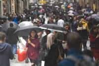 İstiklal; Yağmur Ve Kadın