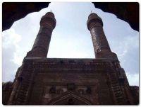 Çifte Minareli Medrese 2