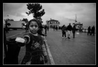 Mendilci Kız
