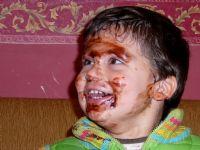 Çikolatalı Pasta Nasıl Yenir?