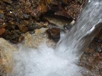 Suyun Akışına Doğru