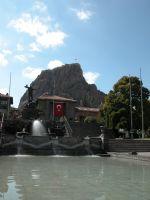 Utku Anıtı Ve Kale