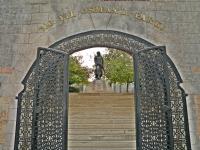 Osmanlı Parkı Ve Orhan Gazi Heykeli