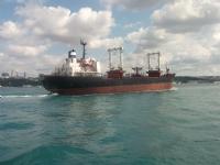 İstanbul Dan Gemi Geçti
