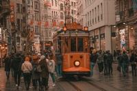 İstiklal Caddesinde Tatlı Bir Yürüyüş