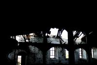 Manastırdan Kırık Dökük Karaler