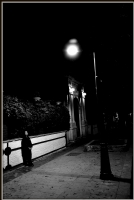 Karanlıga Inat Işıga Yönel..