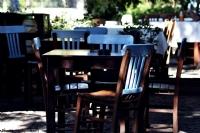 Yalnız Kalmış Bir Adet Sandalye