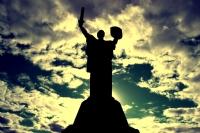 Annem Anavatan Anıtı Kiev