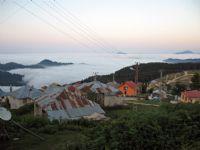 Bulutların Üstündeki Köy