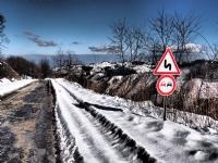 Kar Geldi, Yollar Kaygan