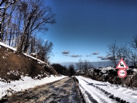 Kışın Yollar Kaygan Olur
