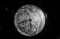 Zaman Su Gibi Akıyor
