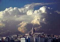 Galata Ve Bulutlar